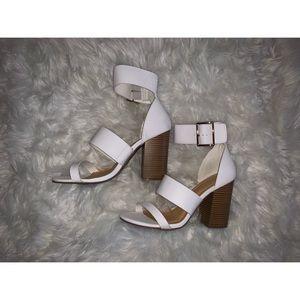 🎃 Charlotte Russe White Sandal Block Heel Size 8